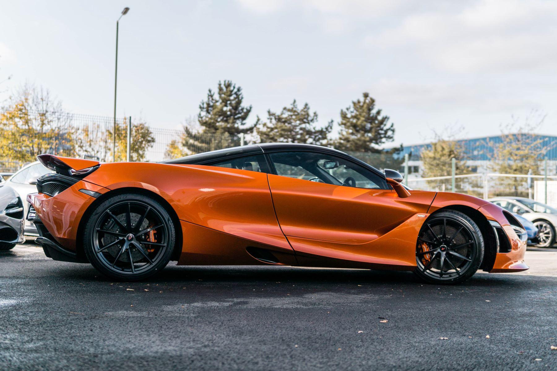 McLaren 720S V8 2dr SSG PERFORMANCE image 25